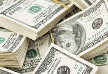 Dollar drifts ahead of key Fed speech as economic worries grow